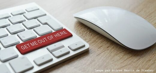 """Image d'un clavier avec une touche """"get me out of there"""""""